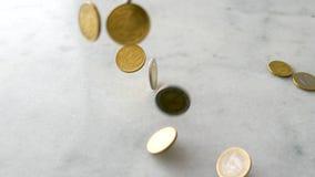Euro muntstukken, Europese Unie geldmunt stock footage