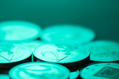2 euro muntstukkenachtergrond Stock Foto's