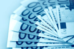 Euro na cor azul Imagens de Stock Royalty Free