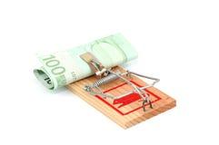 Euro- notas de banco em um mousetrap Fotos de Stock Royalty Free