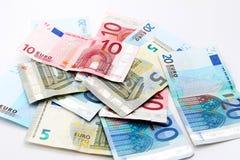 Euro- notas de banco sobre o branco Fotos de Stock Royalty Free
