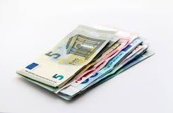 Euro- notas de banco sobre o branco Fotografia de Stock Royalty Free