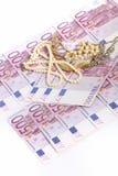 500 euro note con gioielli Fotografie Stock Libere da Diritti