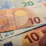 Euro note di carta Dieci e venti euro Fotografie Stock