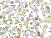EURO note di volo sopra fondo isolato Immagine Stock