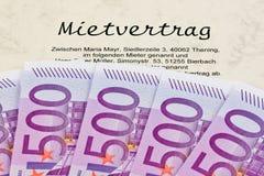 Euro note e contratto d'affitto Fotografia Stock Libera da Diritti