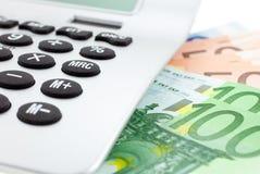 Euro notes avec la calculatrice Photos stock