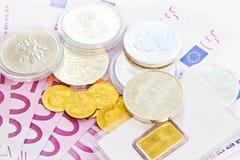 500 euro, oro ed argento Fotografie Stock