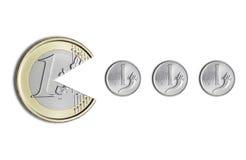 Euro pièce de monnaie mangeant des pièces de monnaie de Lires italiennes Image libre de droits