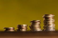 Euro pièces de monnaie empilées sur l'un l'autre Photographie stock