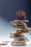 Euro pièces de monnaie encaissez l'euro corde de note d'argent de l'orientation cent des euro cinq Euro devise Pièces de monnaie  Photographie stock