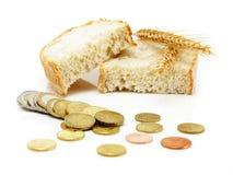 Euro pièces de monnaie et parts de pain avec des oreilles de texture Images libres de droits