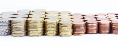 Euro piles de pièce de monnaie d'argent liquide, culture panoramique large Image stock