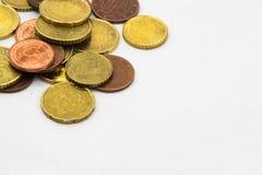 Euro prägt Hintergrundrahmen Stockfoto