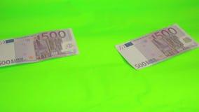 geld auf dem tisch