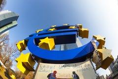 Euro simbolo nella parte anteriore Fotografia Stock Libera da Diritti