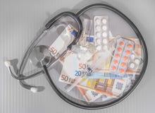 Euro siringa delle medicine delle banconote Fotografia Stock
