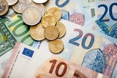 Euro soldi euro fondo dei contanti Euro note con la riflessione Immagini Stock Libere da Diritti