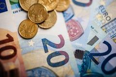 Euro soldi euro fondo dei contanti Euro note con la riflessione Fotografia Stock Libera da Diritti