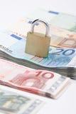 Euro soldi sicuri Fotografie Stock Libere da Diritti