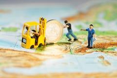 euro som propping upp Arkivfoton