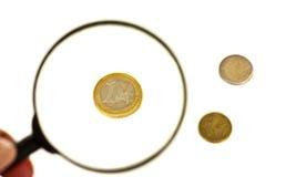 euro som under förstorar Arkivfoton
