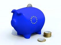 Euro Spaarvarken met sommige muntstukken om aan te brengen Stock Foto's