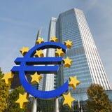 Euro symbole à la BCE à Francfort Photos stock