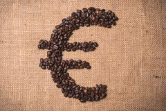 Euro symbolu kawowa fasola obraz royalty free