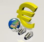 Euro symboolkarakter met de wereld in zijn handen Royalty-vrije Stock Foto