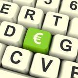 Euro tasto del computer di simbolo che mostra soldi ed investimento Fotografie Stock Libere da Diritti