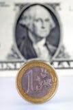 Euro tegenover dollar stock foto's