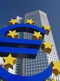 Euro Teken buiten Europese Centrale Bank Stock Fotografie
