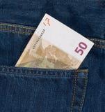 euro 50 in una tasca del tralicco Fotografie Stock Libere da Diritti