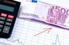 Euro und Diagramm Stockfotos