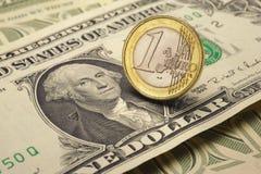 Euro y dólar Fotos de archivo