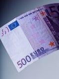 euro zauważa odbicie 500 euro Pięćset euro banknotów są graniczący symboliczna fotografia dla bogactwa Zdjęcia Stock