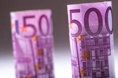 euro zauważa odbicie Pięćset euro banknotów fotografia tonująca Obraz Stock