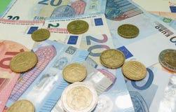 Euroanmärkningar och mynt, europeisk union Arkivbild