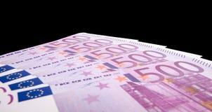 500 Euroanmerkungen lokalisiert auf schwarzem Hintergrund Lizenzfreies Stockfoto