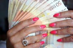 Euroanmerkungen mit Reflexion Lizenzfreie Stockfotografie