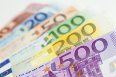 Euroanmerkungen mit Reflexion Stockfotos