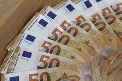 Euroanmerkungen mit Reflexion Lizenzfreie Stockbilder