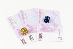 Euroanmerkungen und Würfel Lizenzfreies Stockfoto