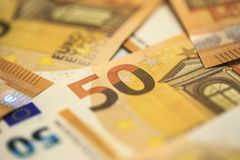 50 Eurobanknoten Stockfotos