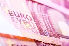 Eurobanknoten, ausführlicher Text auf neue zehn Eurobanknoten Stockfotos