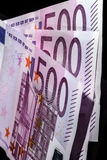 500 Eurobanknoten in Folge Lizenzfreie Stockfotos