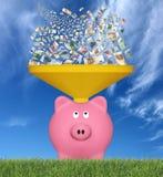 Eurobanknoten und Sparschwein Stockfotografie