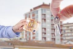 Kaufen eines Hauses lizenzfreie stockfotos