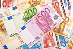 Eurobanknotes von 100 und von 500 Lizenzfreie Stockfotografie